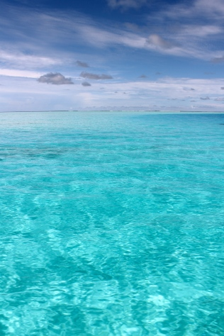 True blue color therapy in the Maldives.