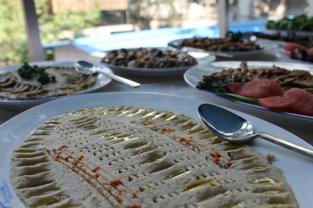 The lunch buffet at Istanbul is only 1000 taka.