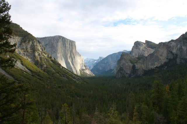 """""""Tunnel view"""" of Yosemite Valley."""