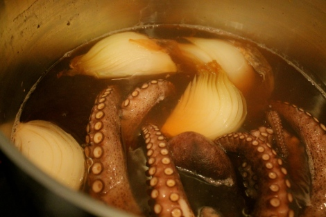 This is what the octopus looked like after cooking in the pot for an hour.